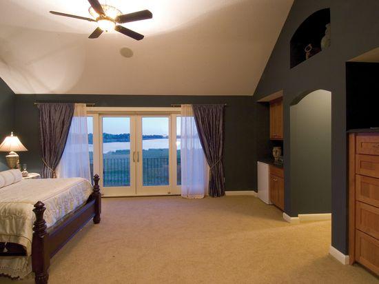 Refreshing Master Bedroom - plan 091D-0021