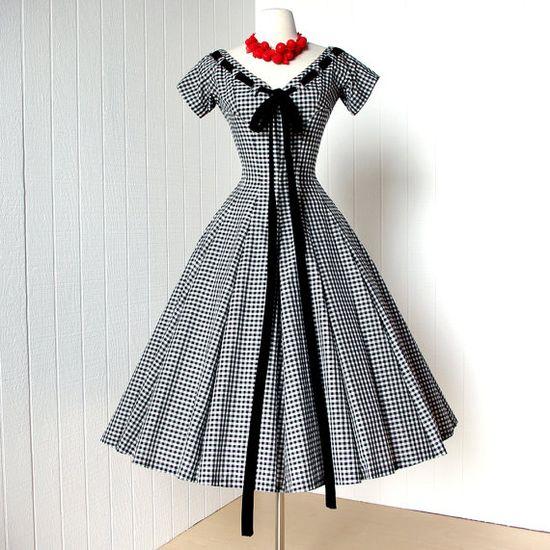 Completely, terrifically darling! #vintage #designer #dress #1950s #red #white