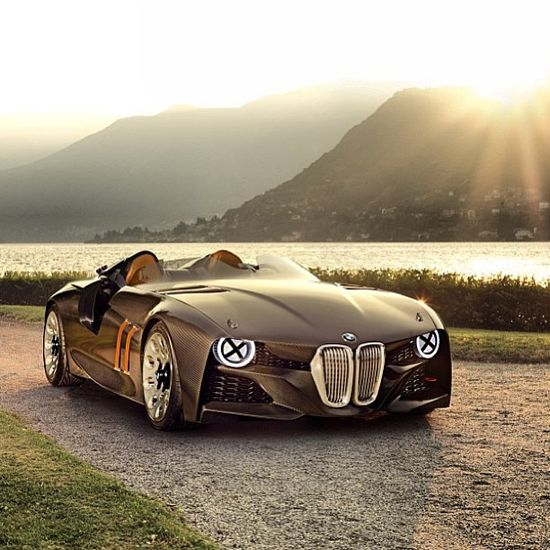 The BMW 328 Hommage.