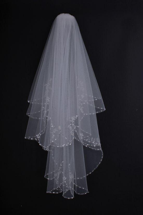 Elegant Flowers Pattern Row Edged Wedding Veil
