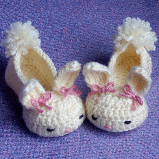 Baby bunny slippers crochet pattern -