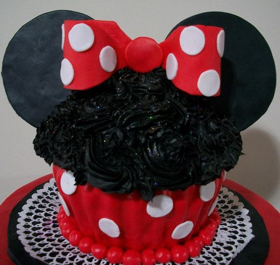 Giant Cupcake Minnie Mouse