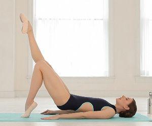 Natalie Portman's Black Swan ballet workout... it's gotta be good.