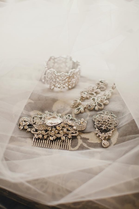 classic jeweled pieces for the bride  Photography by tinywater.com