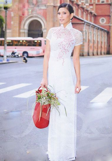 Ao Dai - Nice style, with the short sleeves. Different colour though. -M