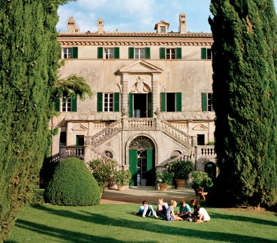 Photos: The Decadent Italian Interiors of Villa Cetinale in Tuscany    The 17th-century home in Tuscany—known for its lush, stunning grounds and gardens—is the aristocratic playpen of the Lambton family. Jonathan Becker photographs the home.  Photographs by Jonathan Becker www.vanityfair.com/culture