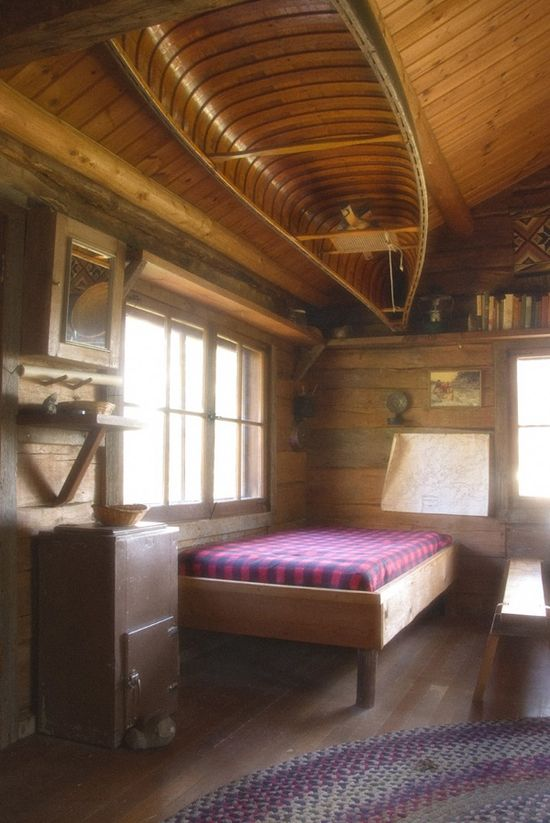 small cabin bed room