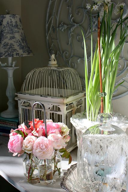 Pretty vignette from Romantic Homes.