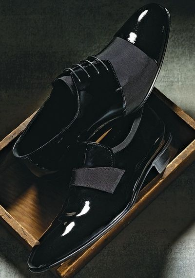 Sick!!! Black Patent Leather Men's shoe. Elegant style