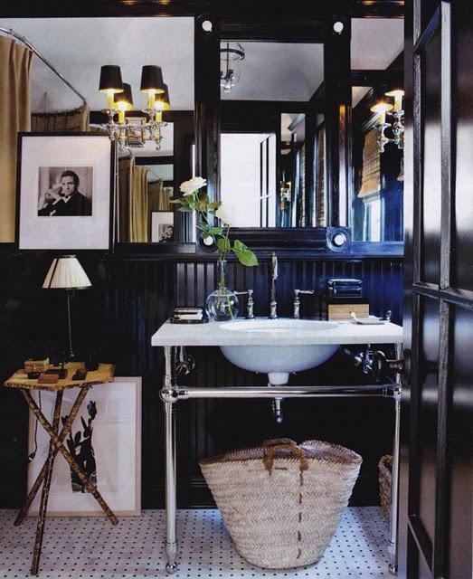 Black bathroom - love this!