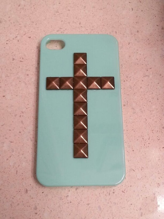 iPhone 4 Case  iPhone 4S Case Mint Green Pyramid by CustomConcept, $14.99    Such a cute iPhone case!