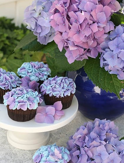 hydrangea cupcakes for spring/easter/mother's day