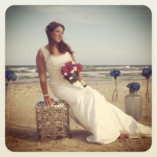Modern beach wedding in Port Aransas portaweddings.com - Joanne Soward