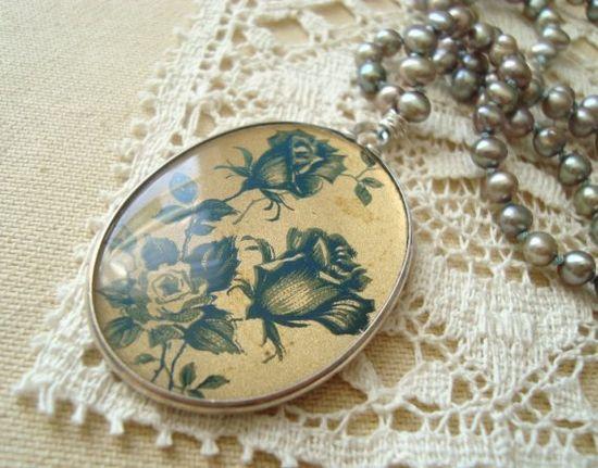 Lady Jane - Vintage Golden Floral Pendant Golden Pearl Sterling Silver Necklace