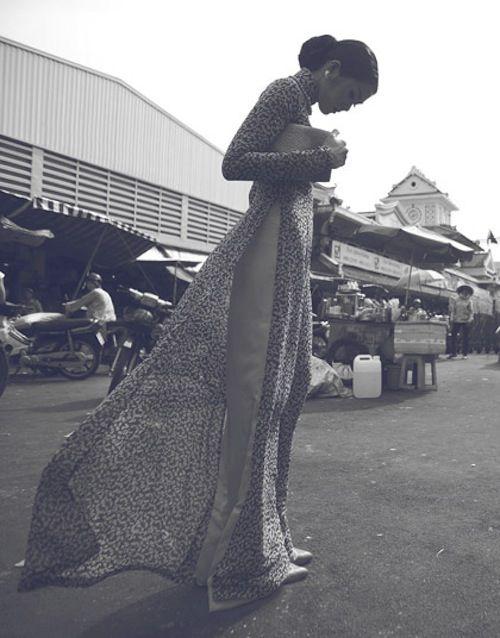 Ha Tang in aodai - traditional dress of Vietnam