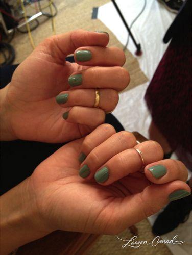 "Lauren Conrad wearing OPI ""Thanks A Windmillion"" nail polish"