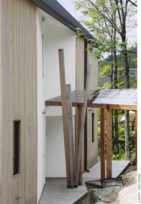 materials. Houle-Thibault Residence / Chevalier Morales Architectes photo Marc Cramer