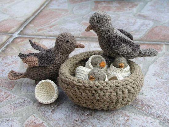 Amigurumi birds & nest