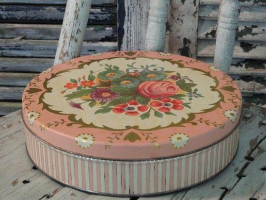 vintage pink rose tin