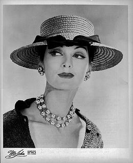 Love the dalmatian bead jewelry partnered with this timeless straw summer topper. #vintage #1950s #fashion #hat