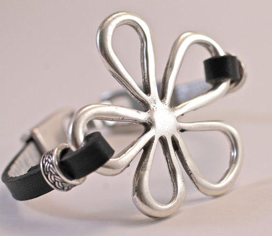Silver Daisy Leather Bracelet Black Leather Bracelet by amyfine