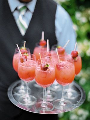 how summer is this! strawberry cocktail