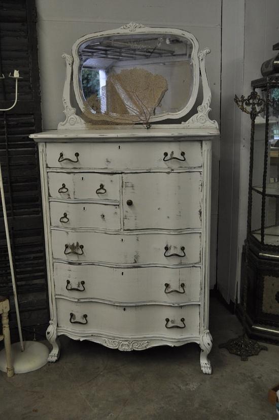 Unique dresser~