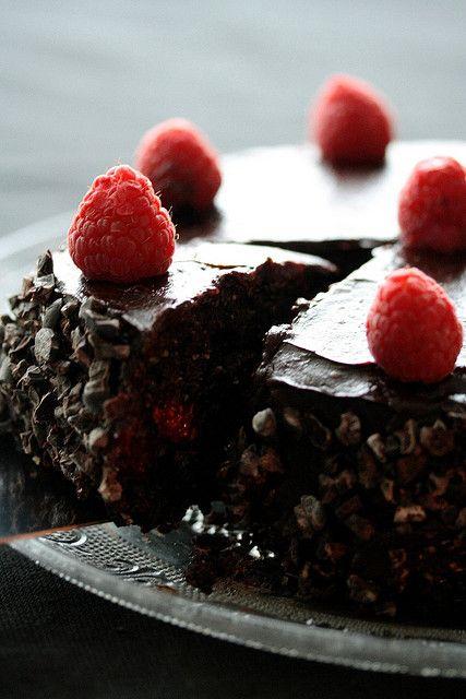 Raw Raspberry ganache cake #vegan