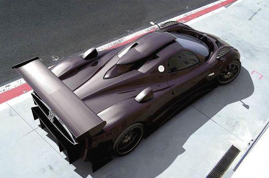 Zonda R, carbon fiber