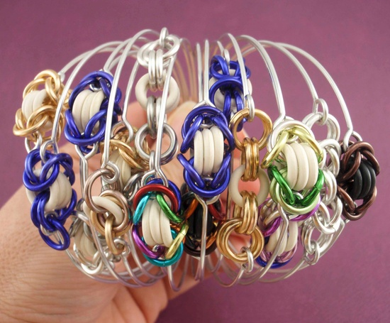 18 Colorful Bangle Bracelet Kits - Fast and Easy. $30.00, via Etsy.