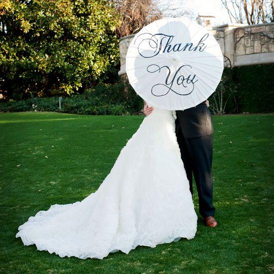 15 most romantic wedding day kiss photos