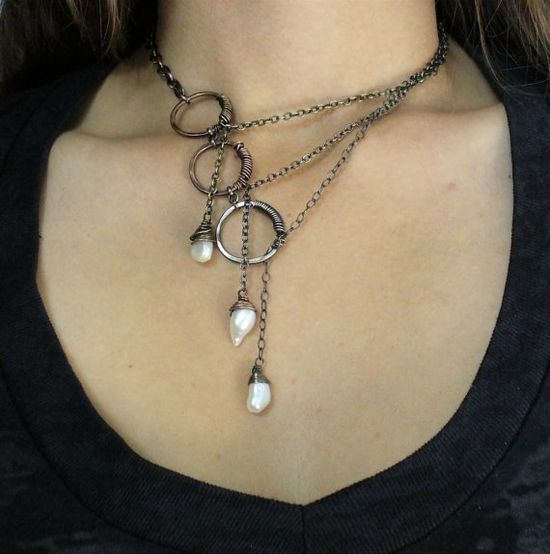 love it 3 pearl necklace