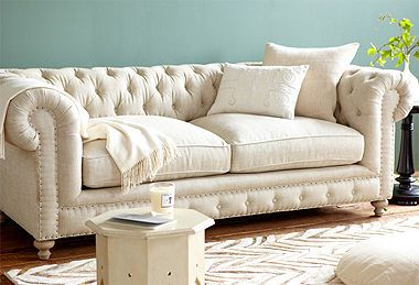 A Vinatge, Elegant Looking Couch.