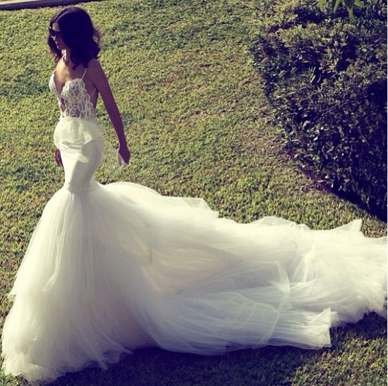 The PERFECT Headressed wedding dress. Love.