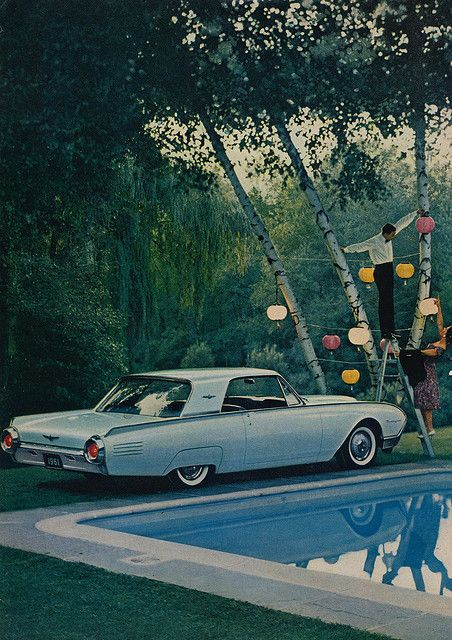 1961 Ford Thunderbird.