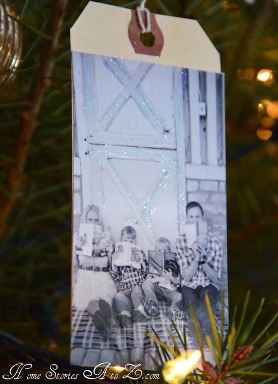 Photo hanging tag ornaments: Hand-made gift idea,gift tags, or new decorations for your tree!