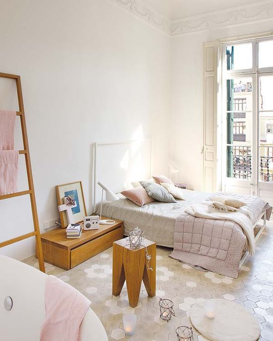 Méchant Design :: light pink in Barcelona