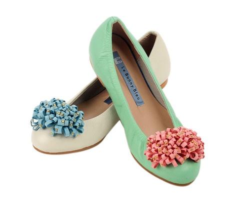 Cute shoes:)