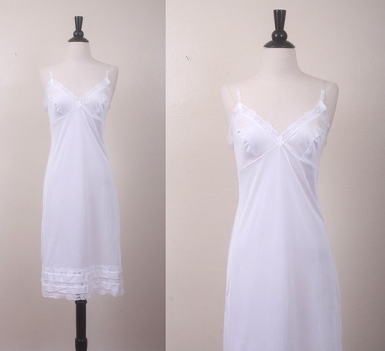 Vintage Slip / White Lace Trim Slip / Vintage Lingerie