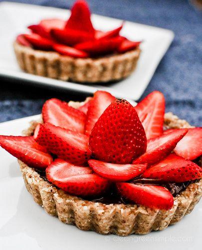 Raw Strawberry Chocolate Tart #raw #vegan #dessert #healthy
