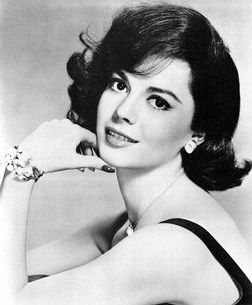 Natalie Wood was another classic Hollywood actress with style and class