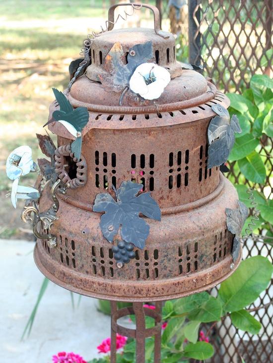 For the love of Rust, Birdhouse Metal Birdhouse