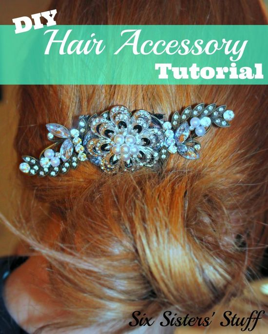 This DIY Hair Accessory Tutorial from SixSistersStuff.Com is super simple (and a GREAT PRICE!). #wedding #hair #accessories
