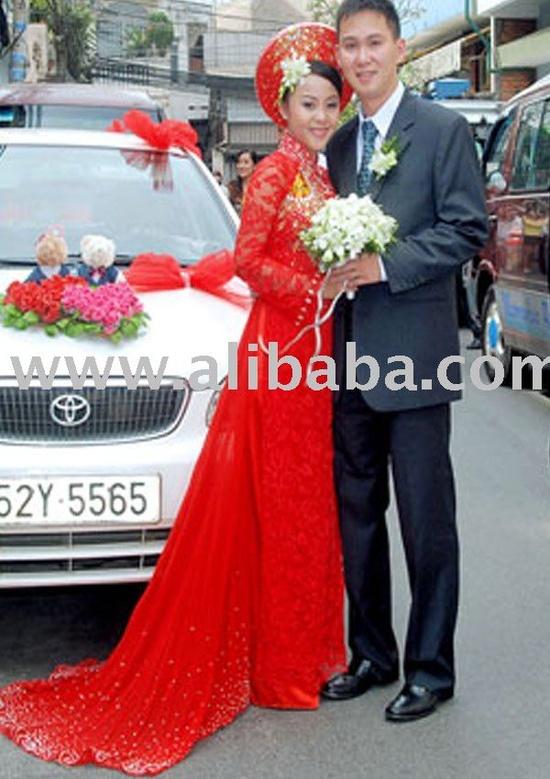 Ao Dai - Wedding Couple ( Vietnamese bride in Traditional dress) :)