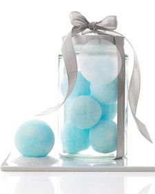 Handmade bath snowballs - make great gifts - can tint any color, use any scent - made with Epsom salts - instead of special molds, try smallest size pop-apart plastic Christmas ball ornaments (can make more at a time for less cost this way - good since they take time to dry) - #HandmadeGifts #Bath #Crafts pb†å