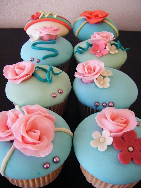 Roses Fondant Cupcakes