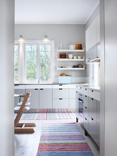 grey and white kitchen: wow