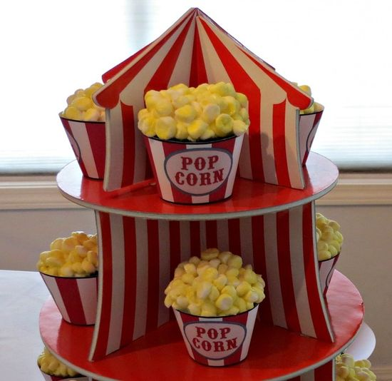 Popcorn cupcakes at a Carnival Party #carnival #party