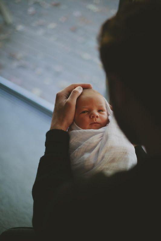 love this newborn photo