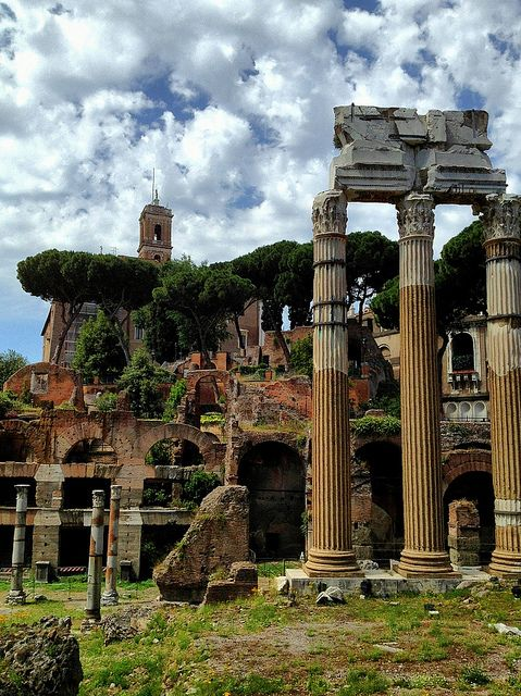 Ruins of the Roman Forum, Rome...